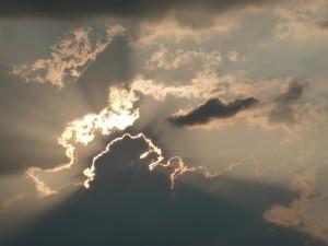 Sonne hinter Wolken 1